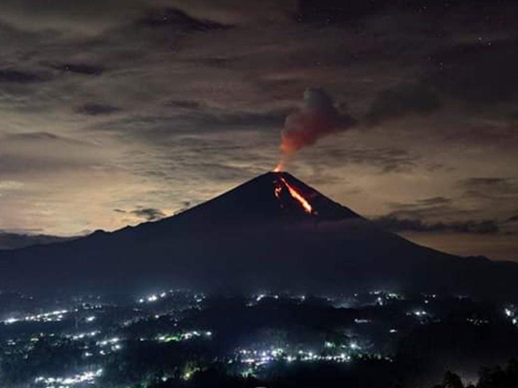 lava flow gunung semeru
