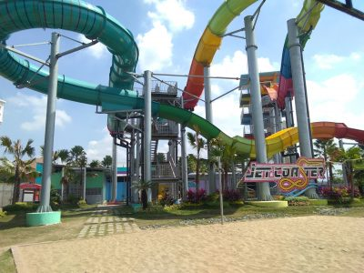 image tempat wisata hawaii waterpark malang no 4