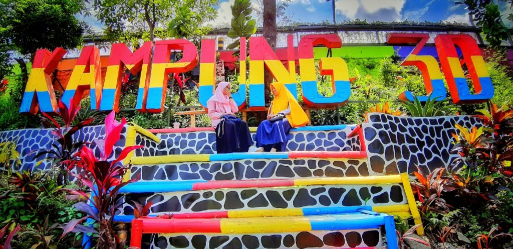Info wisata dan wahana di Kampung Warna Warni Jodipan Malang image 16