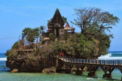 Info wisata dan wahana di Pantai Balekambang Malang image 14