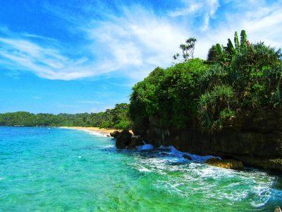 Pantai Balekambang di Malang Selatan