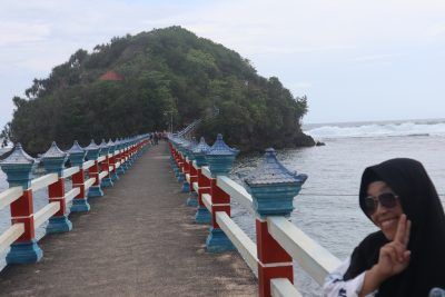 Info wisata dan wahana di Pantai Balekambang Malang image 3