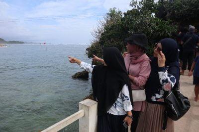 Info wisata dan wahana di Pantai Balekambang Malang image 6